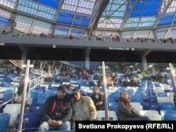 "Зрители на стадионе ""Нижний Новгород"""