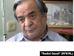 Раҳмон Ӯлмасов.