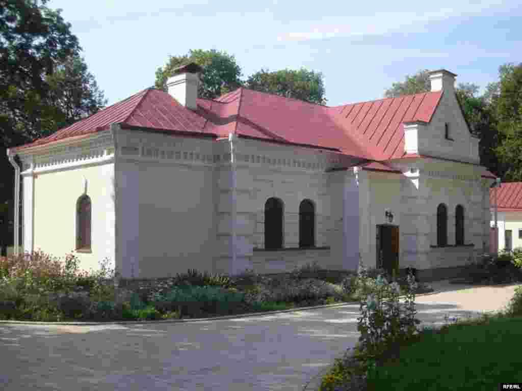 Відреставрований будинок В.Кочубея в Батурині
