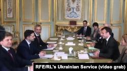 Франция президенти Макрон Украина президентлигига номзод Зеленскийни қабул қилмоқда