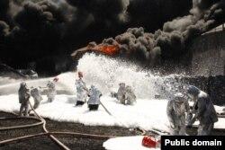 Пожежа на нафтобазі компанії «БРМС-нафта» під Васильковом, 10 червня 2015 року (Фото: Державна служба України з надзвичайних ситуацій)
