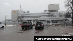 Вхід до VIP-терміналу «Борисполя»