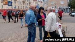 Пікет па зборы подпісаў за апазыцыйную кандыдатку Вольгу Дамаскіну 11 ліпеня