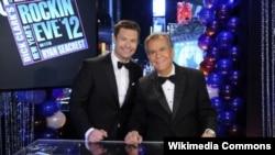 Ryan Seacrest və Dick Clark