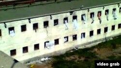Ақтөбе тергеу изоляторында отырғандарды ұрып-соққаны туралы Youtube сайтында жарияланған видеодан көрініс. Ақтөбе, 11 шілде 2012 жыл.