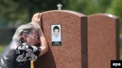 «Мы обращались ко всем жителям, ко всем, что сегодняшнюю ночь мы проведем на кладбище, зажжем поминальные свечи»