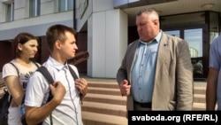 Вячаслаў Горленка (зьлева) і яго прадстаўнік Леанід Судаленка