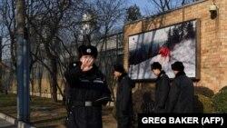 Қытай полицейлері. Көрнекі сурет.