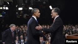 طبق نظرسنجی شبکه سیانان، میت رامنی برنده نخستین مناظره انتخاباتی بوده است