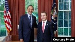 Ambasadori i Kosovës në SHBA, Akan Ismaili, pritet nga presidenti amerikan Barak Obama, Uashington, 2 maj, 2012