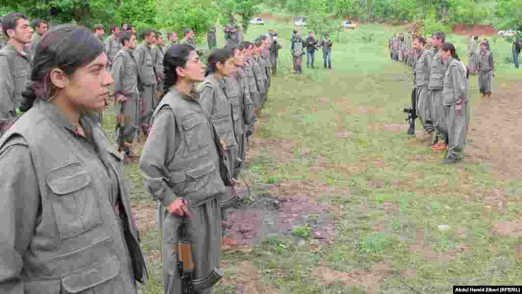 Türkiyədən gedən PKK-lılar Ərbildə. 13 may 2013