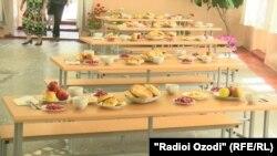 Обед в школьной столовой (архивное фото)