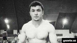 Мастер спорта по вольной борьбе Жамшид Кенжаев.