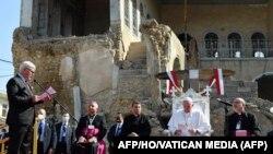 واتیکان په یوه بیان کې ويلي چې د بندو دروازو تر شا په دې کتنه کې پاپ هڅه وکړه چې د سوله ییز ګډ ژوند او د عراق د عیسايي ټولنو د پیاوړي کولو پیغام ورسوي.