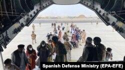 روند خروج نیروهای خارجی و متحدان شان از میدان هوایی کابل