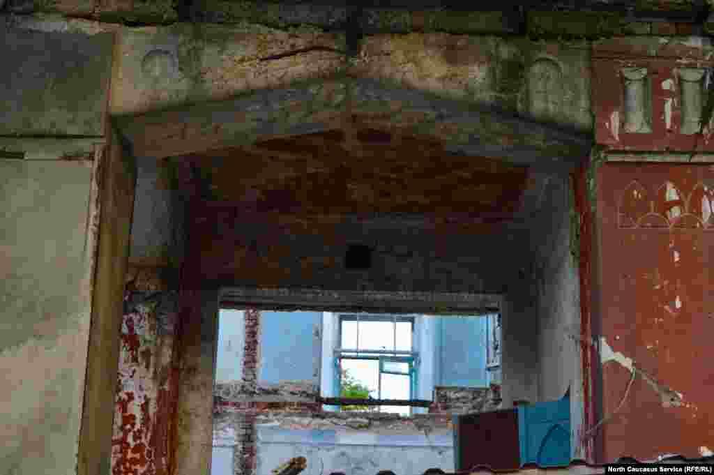 По договору, отреставрированное здание не сможет стать жилым – предположительно, в нем будет располагаться гостиница