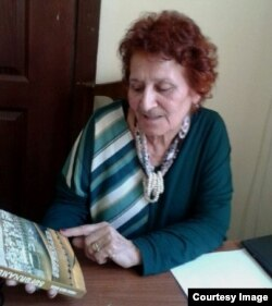 Füzuli adına Əlyazmalar İnstitutunun əməkdaşı, tarix üzrə elmlər doktoru Tahirə Həsənzadə
