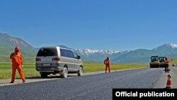Бишкек-Ош жолун оңдоо учуру. Июль, 2017