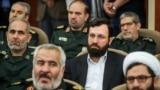 احسان محمدحسنی (وسط)، رئیس سازمان اوج، در مراسم معارفه فرمانده کل سپاه در اردیبهشت ۹۸