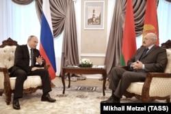 Владимир Путин и Александр Лукашенко на переговорах в октябре 2018-го