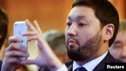 Кеңес Рақышев, Казкоммерцбанк акционері.