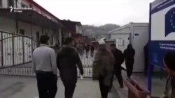 Na ulazu u migrantski centar 'Miral'