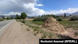 Семиз-Бел айылындагы күмбөз, Ысык-Көл.