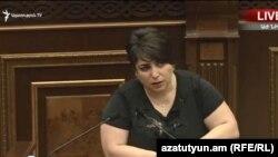 Анна Маркарян в Национальном собрании, Ереван, 1 июля 2019 г.