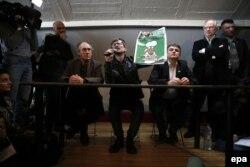 Жерар Биар, Луз, Пеллу и Люзье на пресс-конференции в Париже 13 января