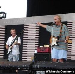Bill Murray Eric Claptonla birlikdə konsert verir