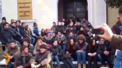 Vazhdojnë protestat e studentëve