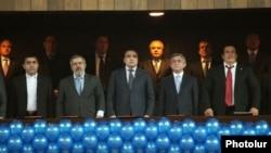 ՀՀ նախագահ Սերժ Սարգսյանը, Գագիկ Ծառուկյանը ԲՀԿ-ի համագումարում, 17 մարտ, 2012