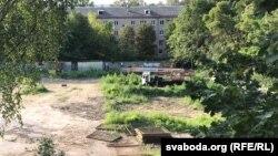 14 жніўня працягваюцца працы на тэрыторыі былога дзіцячага садка ў дварах вуліцы Талбухіна і праспэкту Незалежнасьці