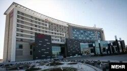 آکور پس از توافق هستهای میان ایران و قدرتهای جهانی، اولین شرکت بزرگ هتلداری جهان بود که در ایران هتل افتتاح کرد.