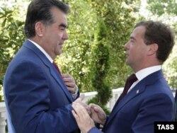 Тажик лидери Эмомали Рахмон жана Орусиянын президенти Дмитрий Медведев, 18-август, 2010-жыл