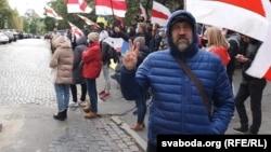 Вячаслаў Сікора наакцыі каля амбасады Беларусі ўКіеве