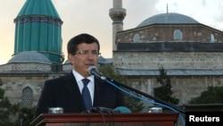 """Глава МИД Ахмет Давутоглу: """"Вопрос о прибытии освобожденных решался не в одностороннем порядке"""""""