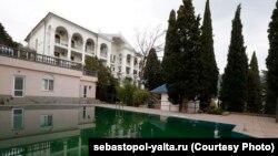 Пансіонат «Севастополь» в окупованій Ялті, він же готель «ТММ-Ялта»