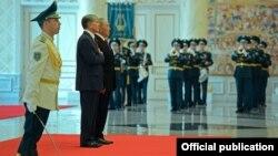 Кыргызстандын президенти Алмазбек Атамбаевдин Астанага сапары. 2014-жыл