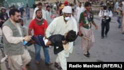 Судирите меѓу антивладините демонстранти и полицијата во Пакистан.