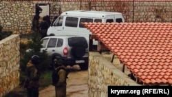 Обшук у будинку Ахтема Чийгоза в Бахчисараї, 30 січня 2015 року