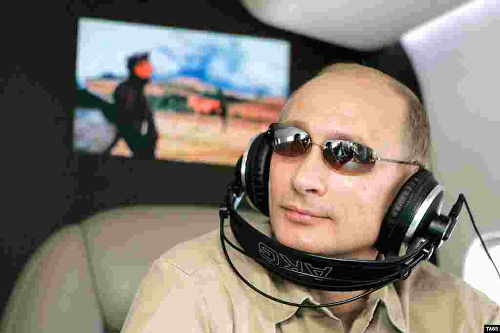 Putin reportedly has 15 helicopters at his disposal. His aircraft alone are worth $1 billion.