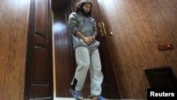 ولید اسماعیل، نانوای سابق و عضو گروه «خلافت اسلامی»، اکنون به اسارت پیشمرگههای کرد