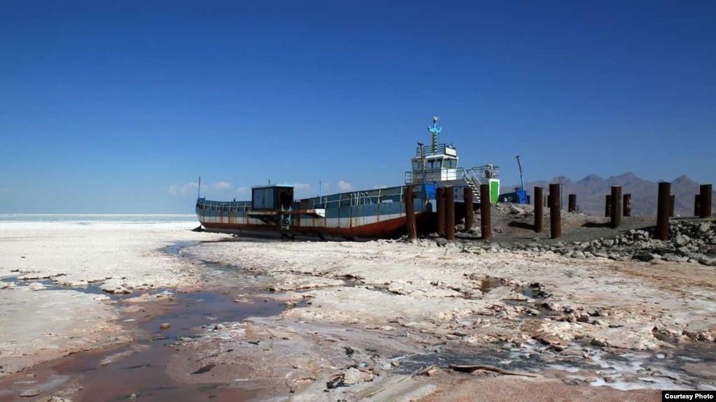 یک مدیر ستاد احیای دریاچه ارومیه: آمادگی مواجهه با کمآبی وجود دارد، اما بازگو نمیشود