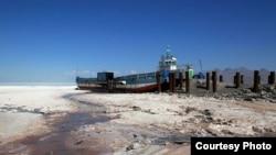 نمایی از خشکسالی دریاچه ارومیه در سالهای گذشته