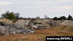 Звалище будівельного сміття в Севастополі, ілюстративне фото