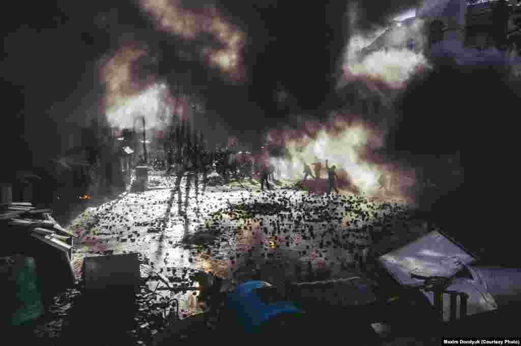 Столкновения на улице Шелковичной. 18 февраля 2014 года.