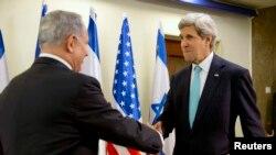 На снимке: премьер-министр Израиля Нетаньяху и госсекретарь Керри во время переговоров 31 марта 2014 года