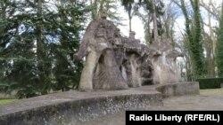 Город Хойна, Польша. Памятник на кладбище советских солдат