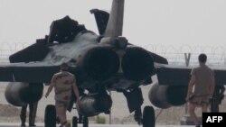 رافائلهای فرانسه (در تصویر) پیشتر به عملیات شناسایی هوایی در عراق پیوسته بودند